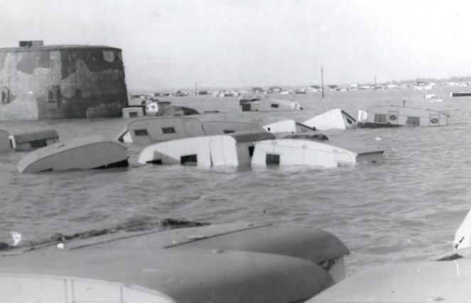 caravans in flood