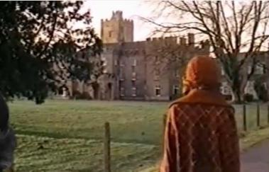 1975-In-this-House-of-Brede-Diana-Rigg-in-front-of-Drishane-02